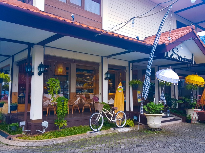INDONESIA | 12 HOURS IN JAKARTA, EAT DRINK AND SHOP
